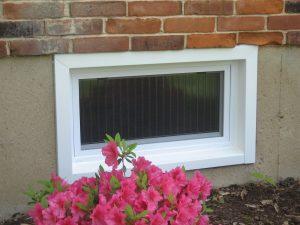 closed hopper style window